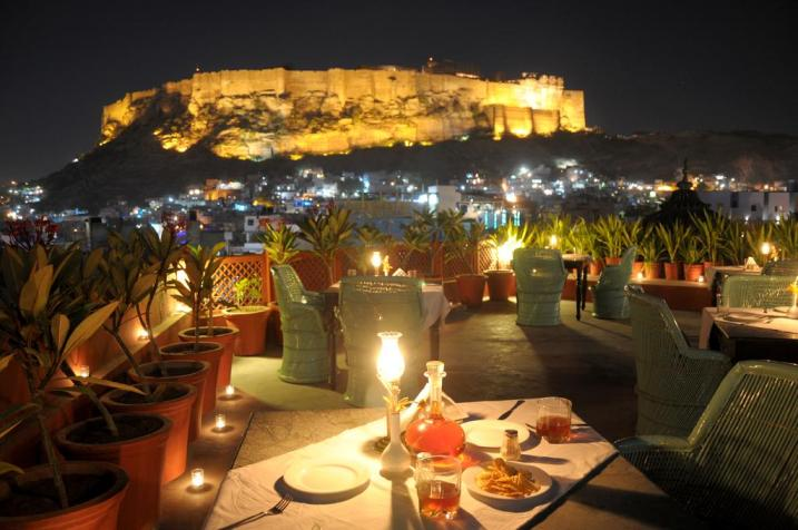 Famous Spots to Enjoy Night Life of Suncity Jodhpur
